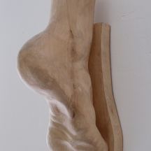 Wood carving: Foot, carved in Lime wood