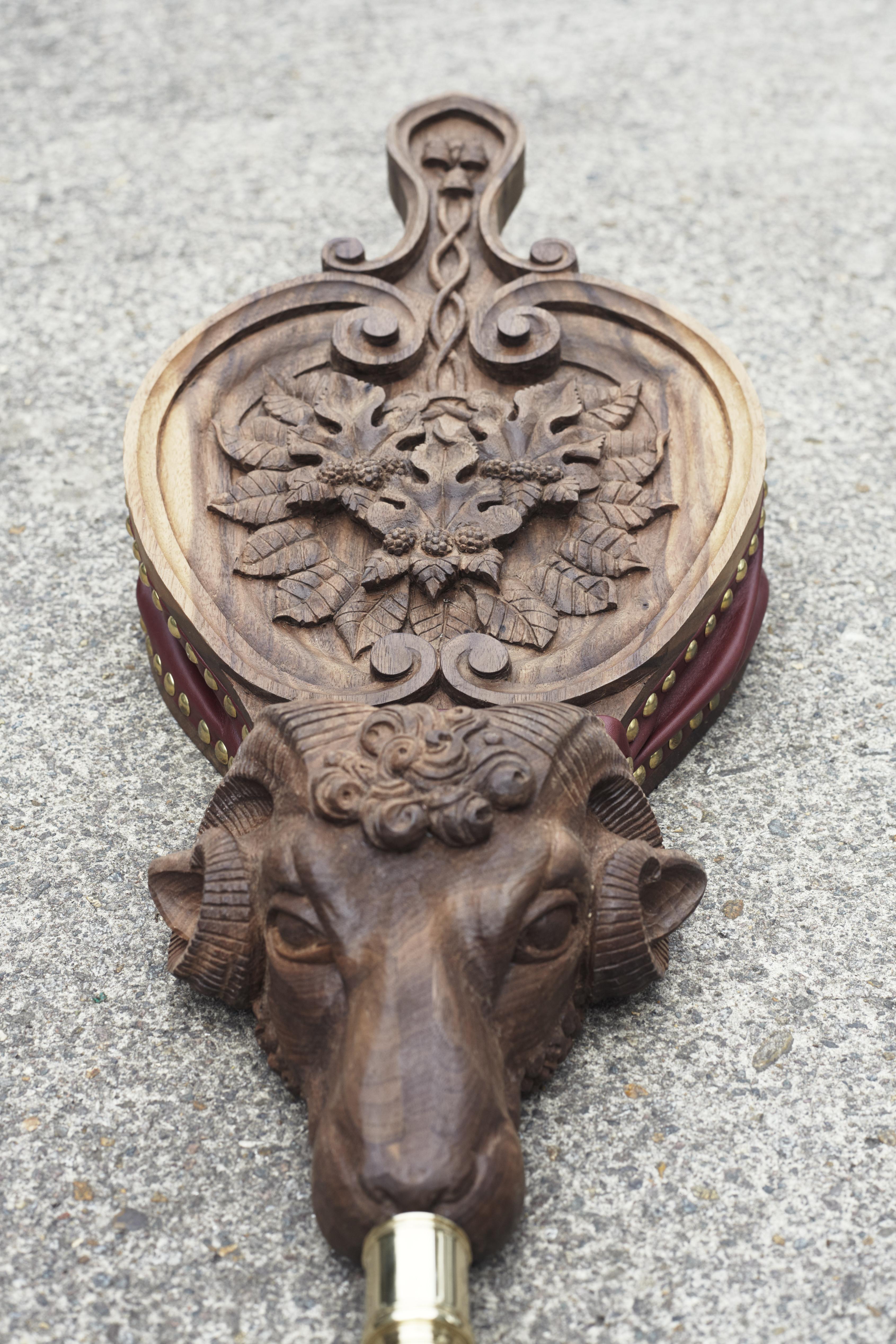 Cassidie alder carving wood gilding